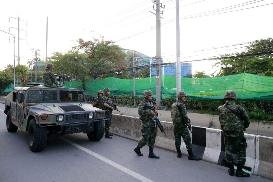 03 thai martial law 0519