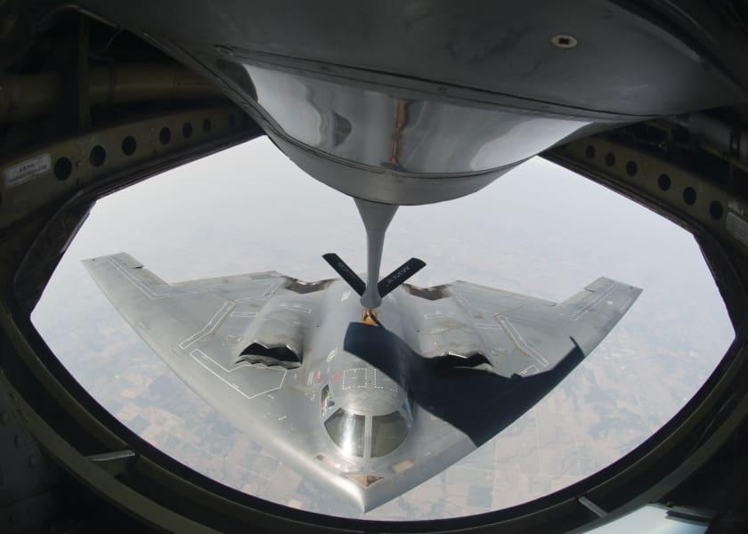 01 stealth bomber 0610