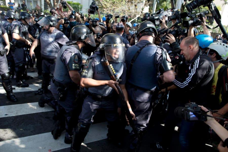 03 sao paulo protests 0612