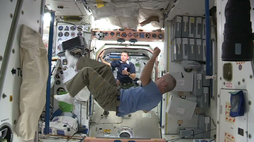 nasa astronauts world cup wishes space_00005013
