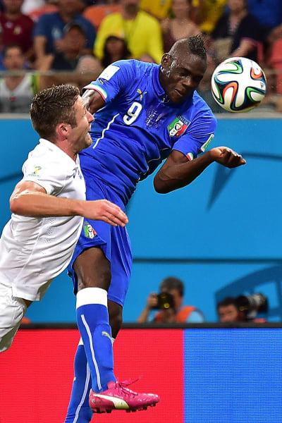 mario balotelli goal close up
