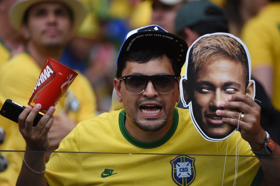 neymar mask fans 1