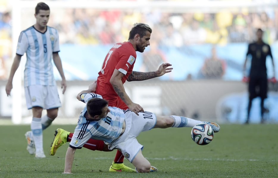 Messi Tackle