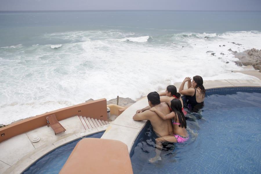 02 mexico hurricane odile 0915