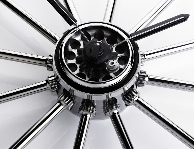 F1 Art clock