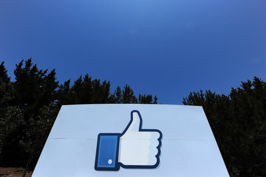 likefunding facebook logo like