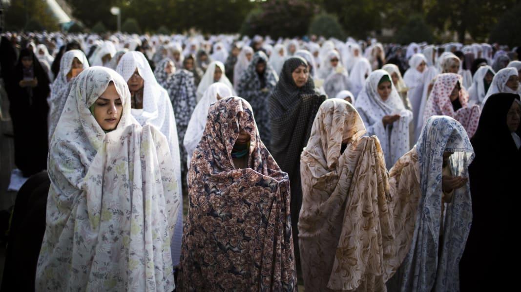 04 Muslim women dress