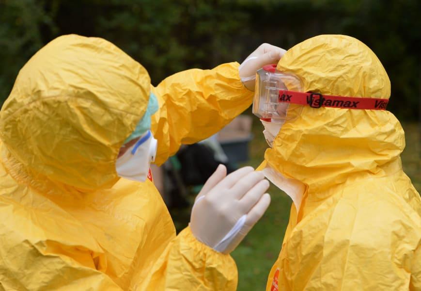 09 ebola protection