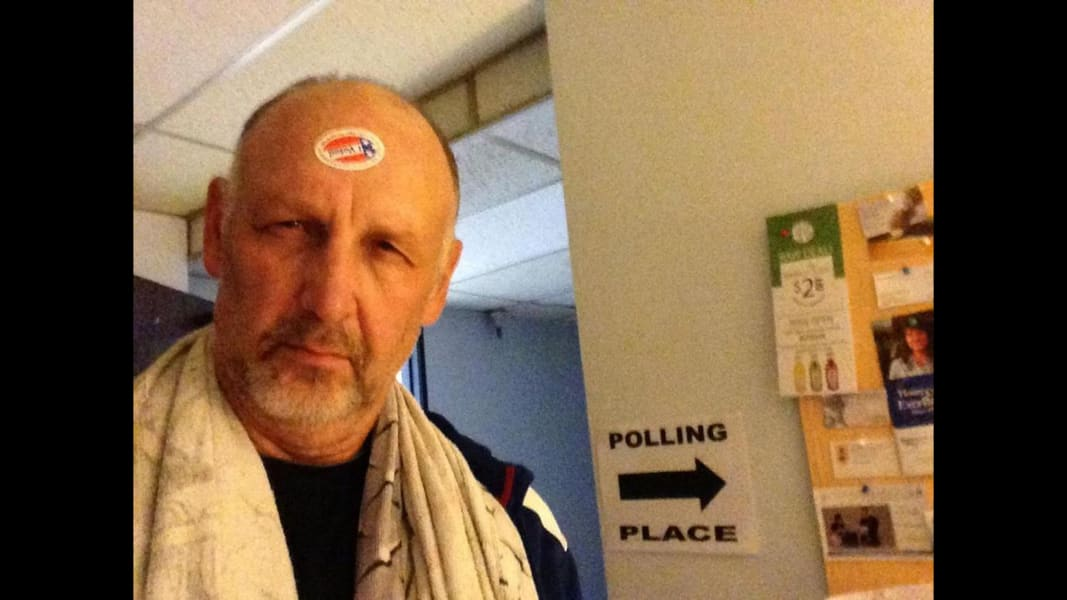 06 vote selfies 1104