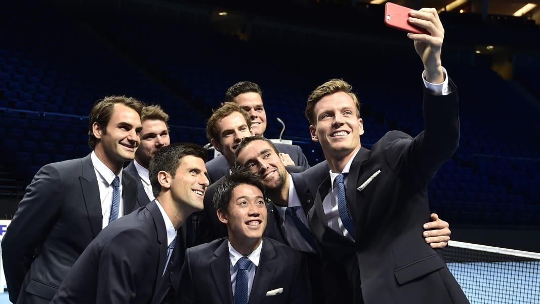 11 selfies 1112 RESTRICTED