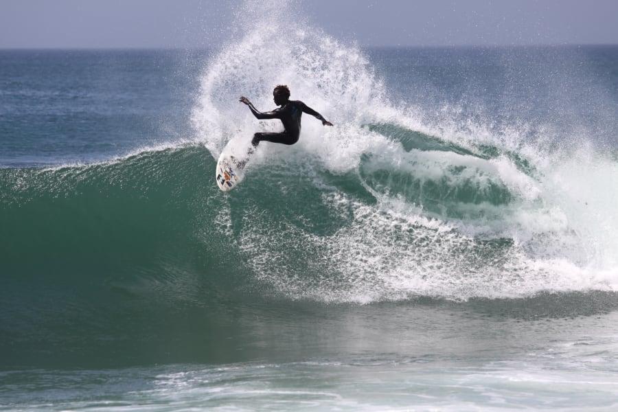 dakar surfing startups
