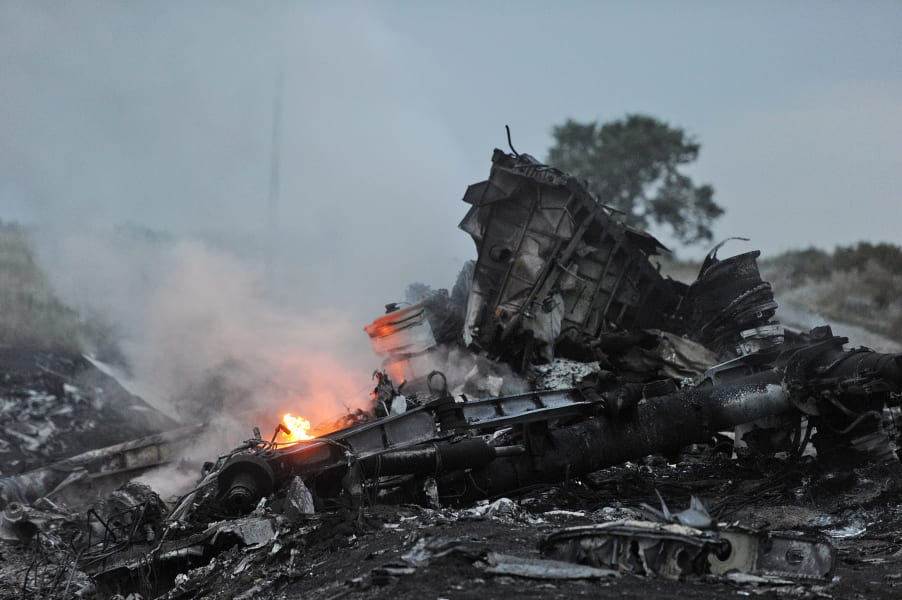 MH17 Wreckage Flames Smoke