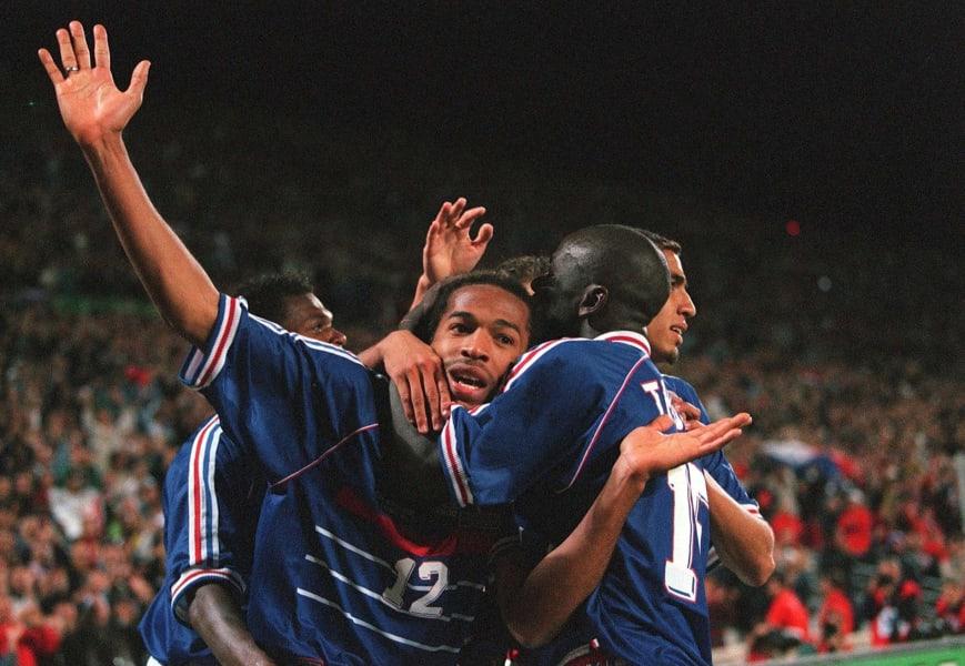 henry teammates france celebrate