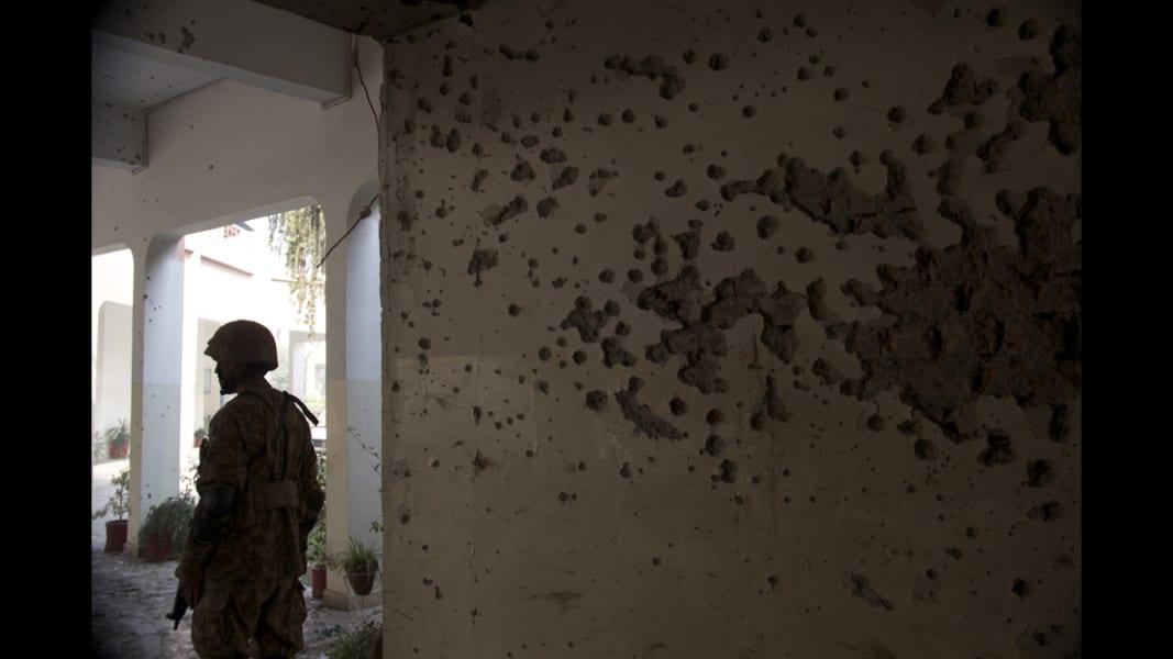 02 Peshawar school aftermath
