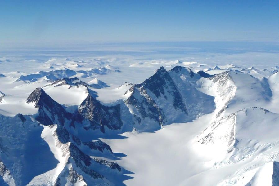 antarctica sightseeing flights day tour5