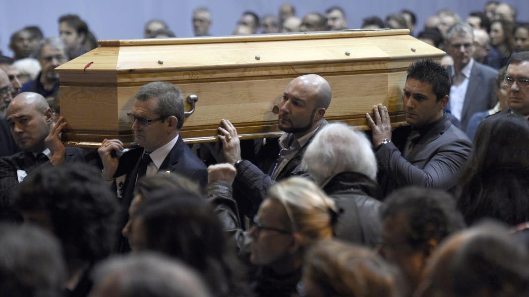 01 paris funerals 0116