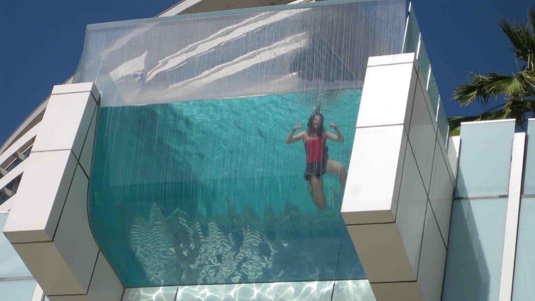 hotel pools interContinental dubai