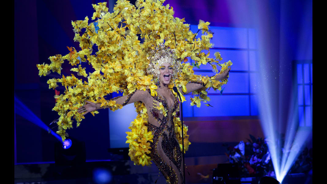 16.miss-universe-costumes