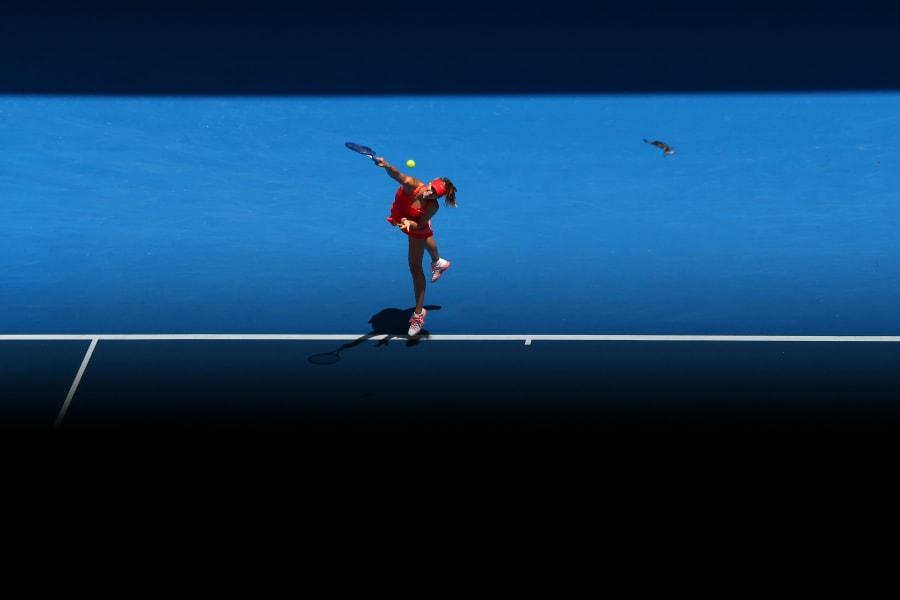 Sharapova serve