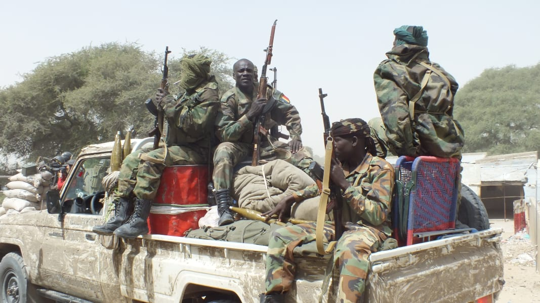 06_CHADIAN SOLDIERS HEAD TO GAMBAROU