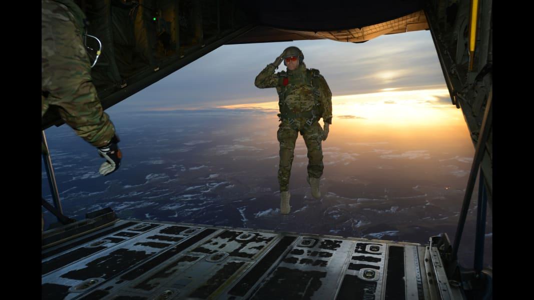 06 parachutte jump 022715