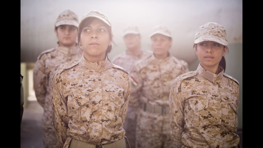 01 cnnphotos female peshmerga RESTRICTED