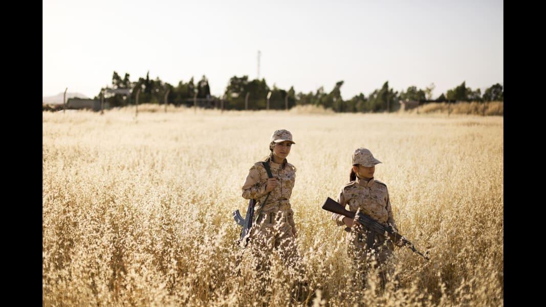 03 cnnphotos female peshmerga RESTRICTED