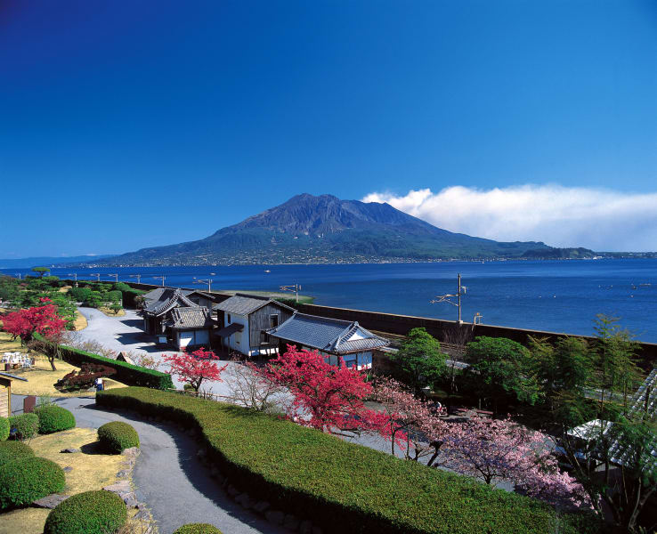 beautiful japan Senganen Garden Mt. Sakurajima view