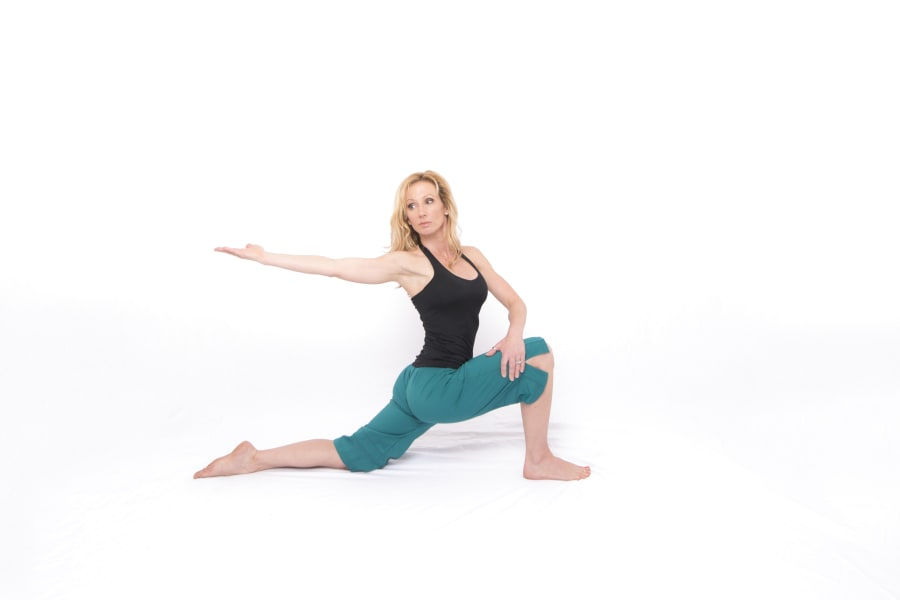 Kneeling Lunge with Twist and Reach