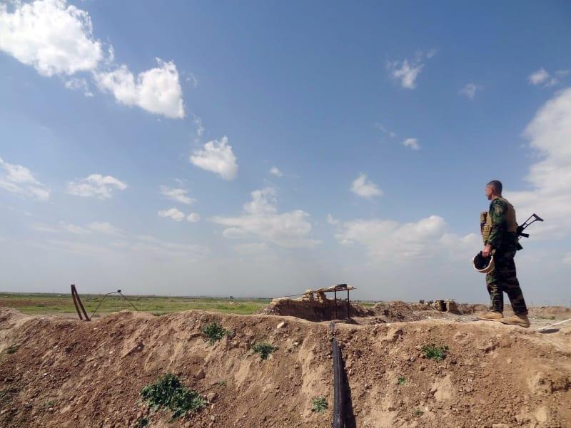 Peshmerga Kurd fighter