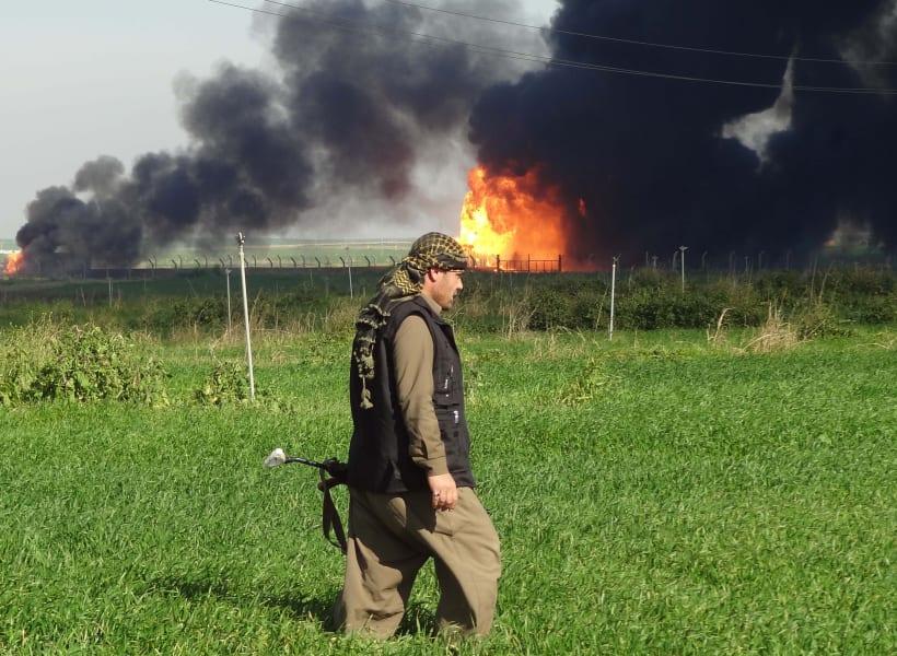 Pershmerga burning oil field