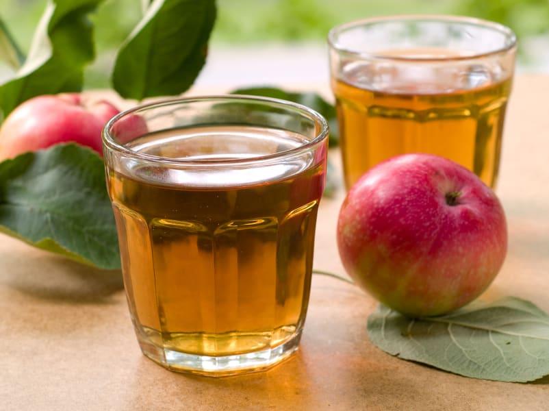 01.apple-juice-stock