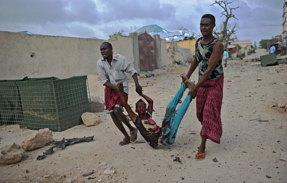 04 mogadishu attack - graphic image