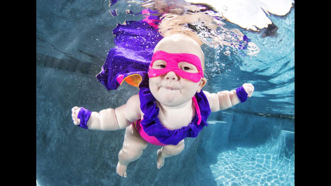 01 underwater babies Adeline