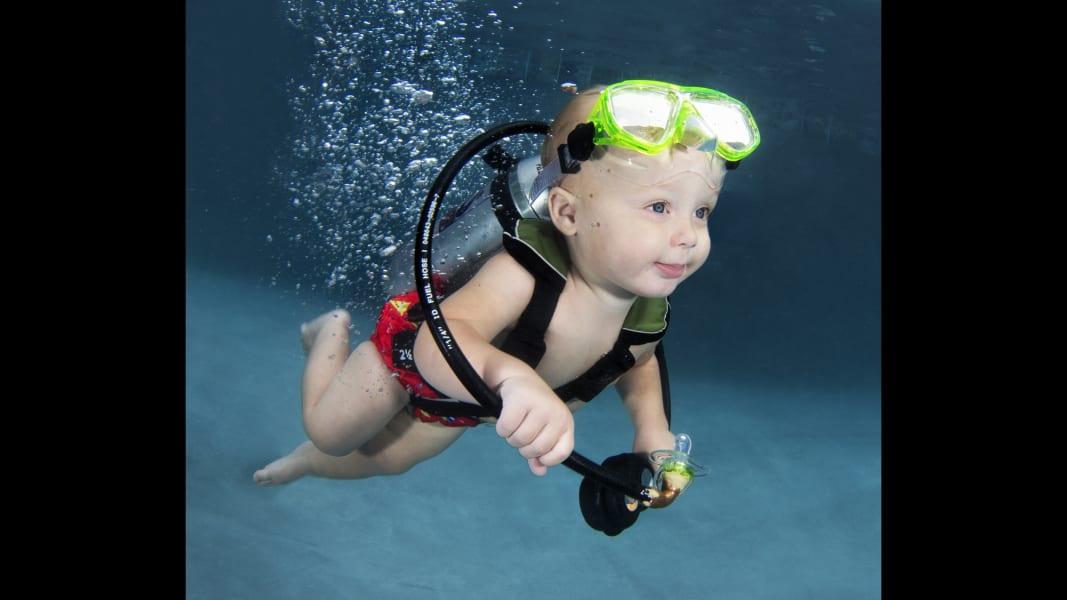 02 underwater babies Colton