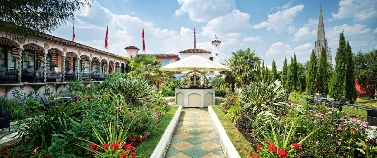Amazing Gardens- Kensington Roof Gardens Spanish Garden