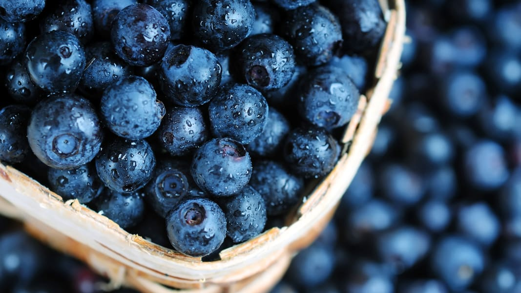01 stress-relieving superfoods 0410