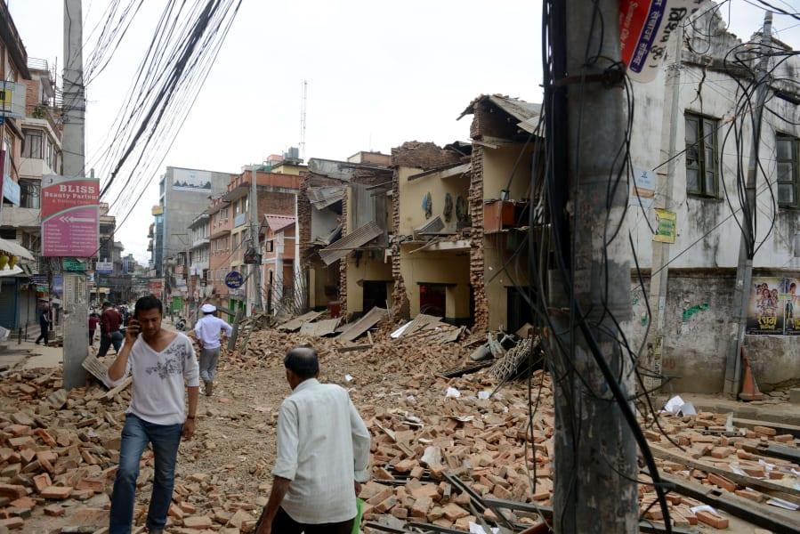 nepal earthquake street rubble