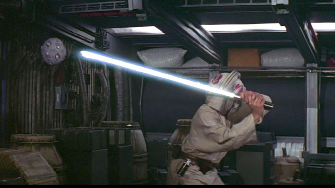 04 star wars luke skywalker lightsaber