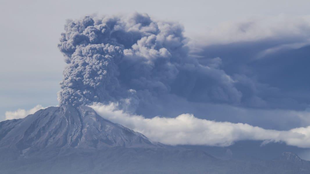 02 chile volcano 0430