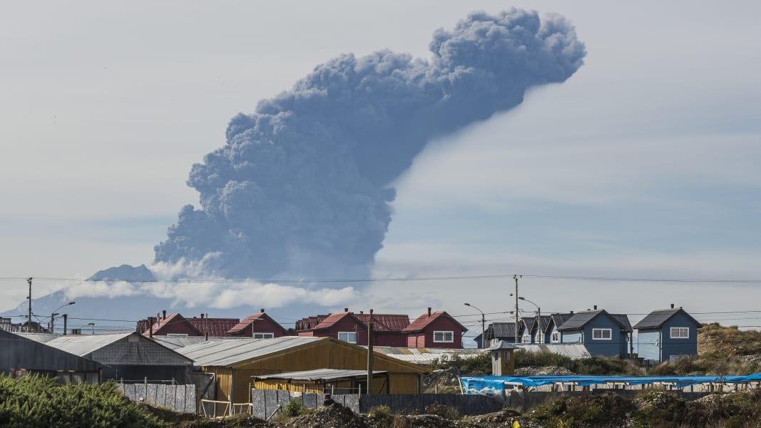 01 chile volcano 0430