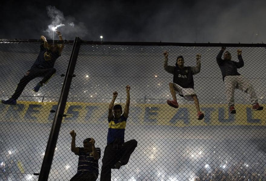 boca juniors fans fence