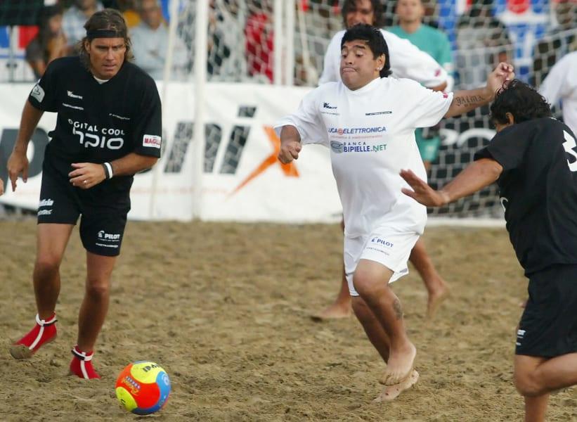 Beach football -- maradonna