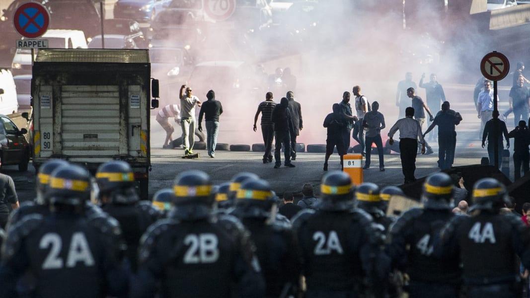 01 paris ubert protest RESTRICTED