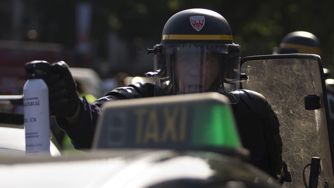 03 france uber protest