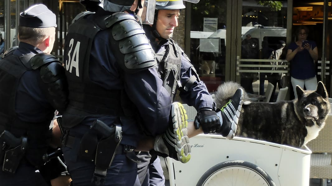 07 france uber protest