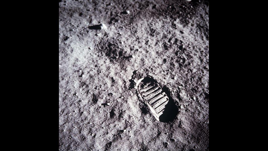07 tbt moon landing 0716