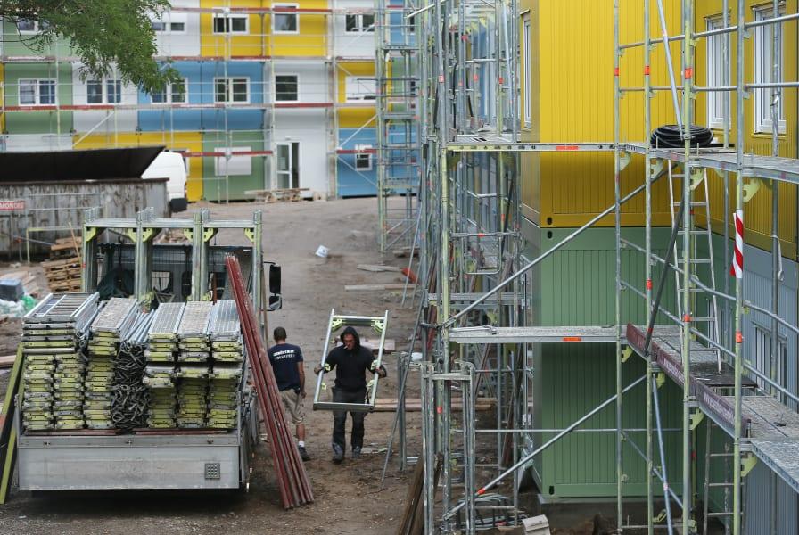 berlin refugee housing 02