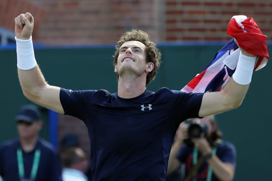 Murray wins