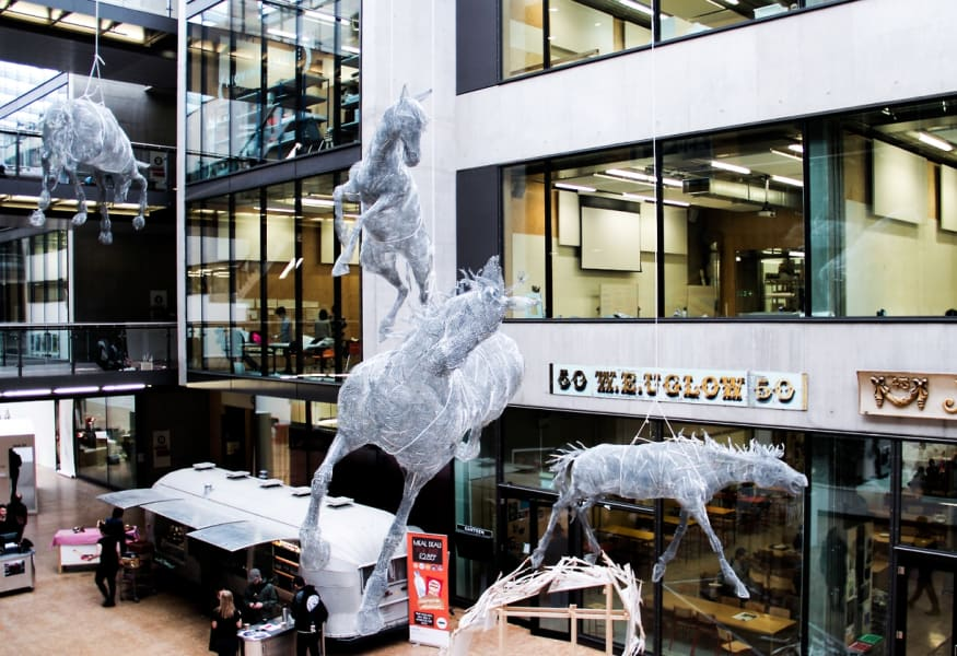 horse sculpture 1 dumon